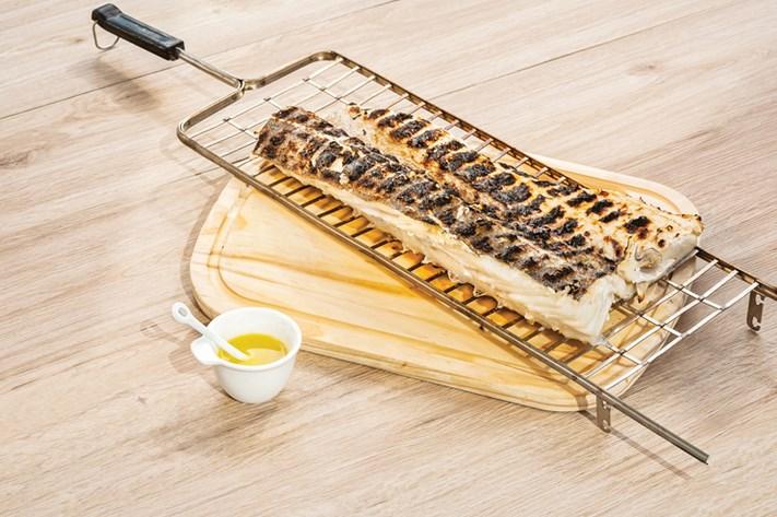 receitas de bacalhau assado na brasa com azeite e alho