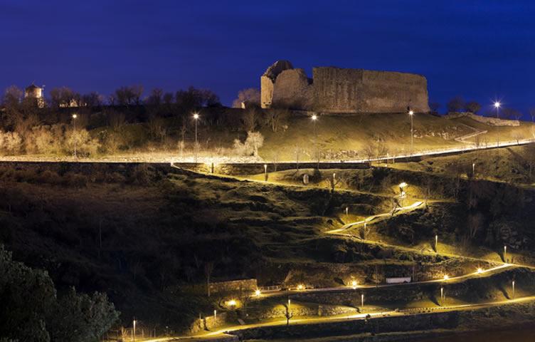 visitar miranda do douro castelo